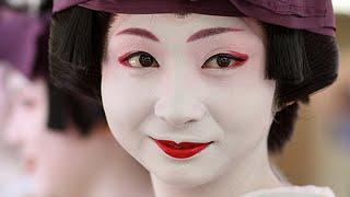 getlinkyoutube.com-10 من أغرب علامات جمال المرأة حول العالم  | TOP10 ARAB
