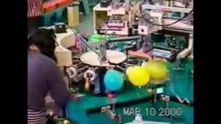 getlinkyoutube.com-Шелкографическое оборудование для печати на шарах.mp4