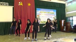 getlinkyoutube.com-[Văn nghệ 20-11-2015] Lớp 9.2 Nhảy hiện đại