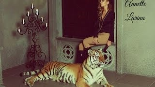 getlinkyoutube.com-Photoshoot with a tiger (Chanel by Chanel)