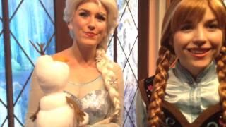getlinkyoutube.com-Anna And Elsa Meet My Olaf At DisneyLand