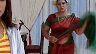 getlinkyoutube.com-Mallu Serial actress exposer