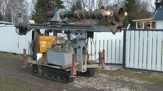 getlinkyoutube.com-Brunnen bohren mit fahrbarer Bohrmaschine Teil 2, portable water well drilling machine in action