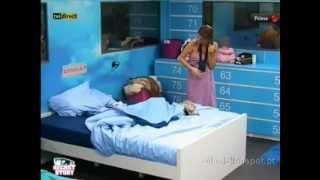 Daniela P abre a toalha e Mostra a Menina Casa Dos Segredos Desafio Final