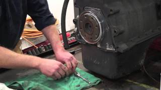 getlinkyoutube.com-Cummins Main Seal Replacement