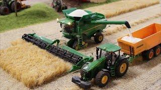 getlinkyoutube.com-RC Farmworld Fehmarn Siku 1:32 Farmer action!