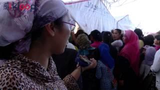 getlinkyoutube.com-Школьная форма в Кыргызстане: Ажиотаж на  рынке Алканов