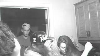 White Girls Twerking at house party OMG BASED GODD!!