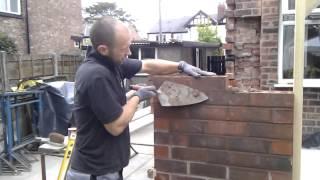 getlinkyoutube.com-How to build a brick wall (bricklaying)