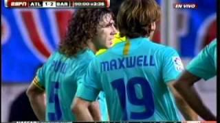 getlinkyoutube.com-Atlético 1-2 Barcelona - Lesión de Messi - Ujfalusi lesiona a messi