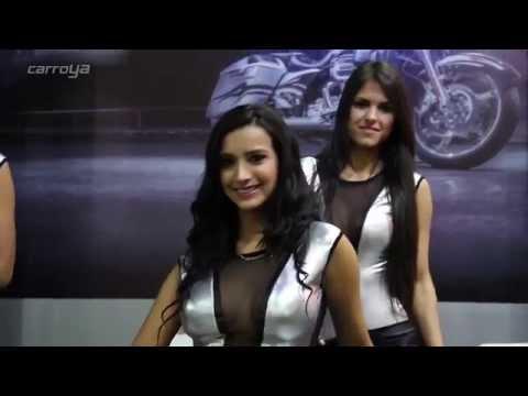 Las mujeres más bellas del Salón del Automóvil