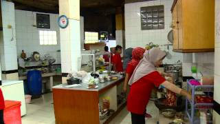 getlinkyoutube.com-Kuliner Legendaris Ayam Bakar Taliwang - NET5