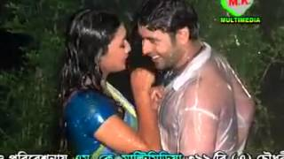 Jhiri Jhiri Bristite    Sexy bangla  song.mp4