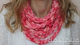 getlinkyoutube.com-DIY Learn How to Make Infinity Scarf Circle Loop Cowl Beginner Finger Crochet Chain Arm Knitting