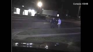 La lucha entre un policía y un hombre armado quedaron captadas en cámara