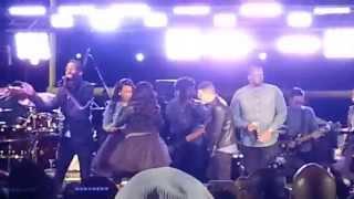 getlinkyoutube.com-Presentación en Black Friday de: Tye Tribbett Gospel Explosion by Ben Hur