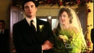 getlinkyoutube.com-Smallville FINALE Clois - Down the Aisle