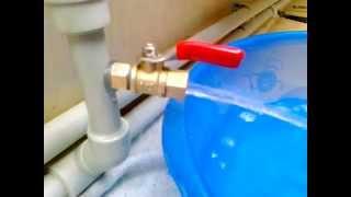 getlinkyoutube.com-Слив воды из системы отопления. (система без кранов)