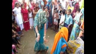 getlinkyoutube.com-Women Dancing in a Village - Sarsaina