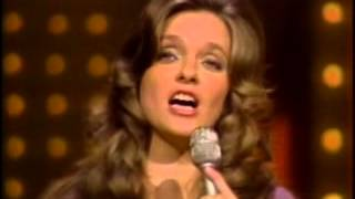 getlinkyoutube.com-Pop Goes The Country -  Guest, Merle Haggard & Connie Smith (1974)