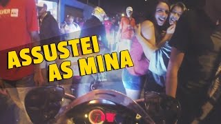 getlinkyoutube.com-ASSUSTEI AS MINA NO MEIO DO FLUXO COM O ESCAPE DA MOTO !
