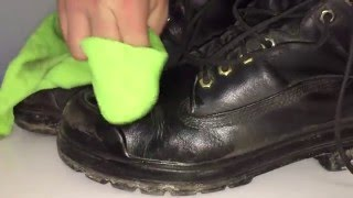 getlinkyoutube.com-How To: Apply Dubbin to Work boots!