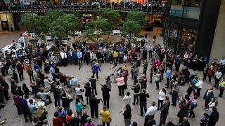 Beethoven Flash Mob - Wayzata Symphony Orchestra and Edina Chorale - Minneapolis Nov 16 2015
