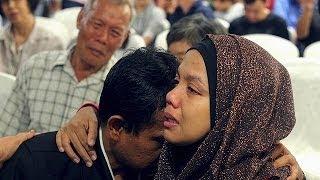 خشم و نگرانی خانواده های مسافران هواپیمای ناپدید شده مالزی