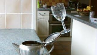 getlinkyoutube.com-Balancing Glass Trick!