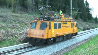 getlinkyoutube.com-Plasser & Theurer machines and EMD locomotives part 1