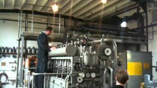 getlinkyoutube.com-German U-Boot Diesel MWM RS 34 S  running smoothly at Maschinenmuseum Kiel