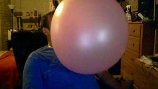getlinkyoutube.com-Big bubble gum bubble 1 Sept 2009
