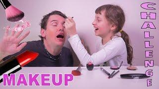 getlinkyoutube.com-INCROYABLE MAKEUP CHALLENGE • Le Papa maquillé par sa fille de 9 ans - Studio Bubble Tea maquillage