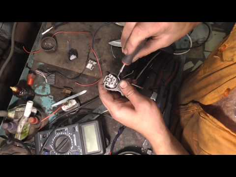 Как вытащить фишки из разъема японских автомобилей