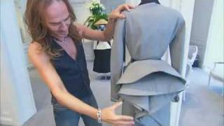 getlinkyoutube.com-John Galliano explaining the beauty of DIOR