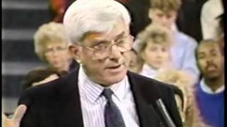 getlinkyoutube.com-Donahue on WWF Drug & Sex Scandal in 1992