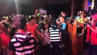 getlinkyoutube.com-El perdón Nicky Jam en vivo Cover Keven y Hensy