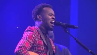 Travis Greene - Made a Way (Live)