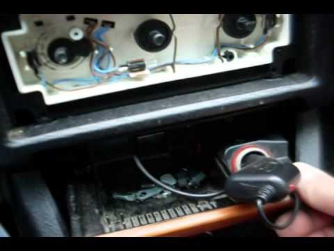 Ремонт переключателя скорости печки. Как разобрать центральную панель Ауди 80.