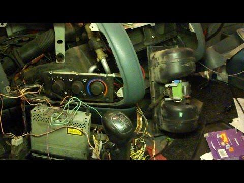 Снятие салонного моторчика DAF XF Removing Interior Blower