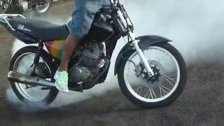 getlinkyoutube.com-Derret Ferve Manobras De Motos Maneuvers Motorcycles Bike Autodromo De Campo Grande Ms