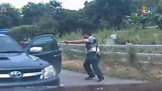 นาทีฉุกเฉิน โจรขโมยรถกระบะ ต่อหน้าเจ้าของรถ ซึ่งๆหน้า 14 ตุลาคม 2557 [HD]