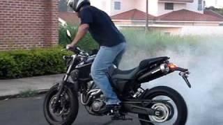 getlinkyoutube.com-Yamaha MT-03 RollingBurn, Burnout