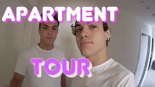 getlinkyoutube.com-Apartment Tour! : Dolan Twins