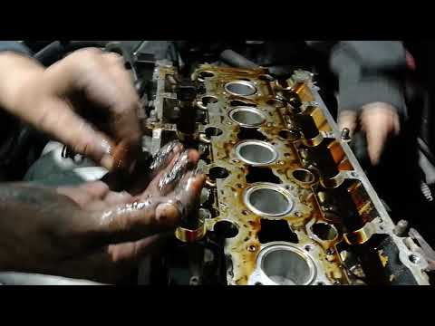 Вольво s80 сняли клапанную крышку ГБЦ после рукожопого ремонта.