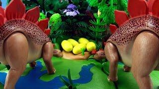 getlinkyoutube.com-Stegosaurus Song - Dinosaur song for kids - 5 Stegosaurus eggs hatching - Playmobil Dinos