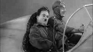 getlinkyoutube.com-Charlie Chaplin - The Great Dictator - in a plane
