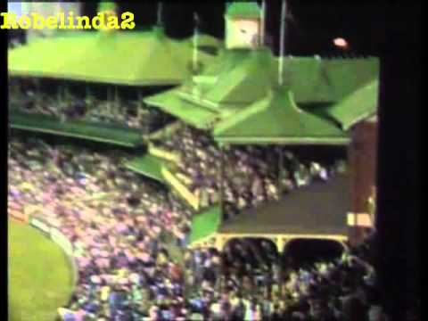 *BIGGEST SIX AT THE SCG* JOEL GARNER HITS A HOMER ONTO THE ROOF!