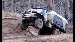 getlinkyoutube.com-Russian Truck Drivers in Extreme Condition 2014 *NEW* - Siberian Off Road