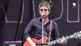 getlinkyoutube.com-Noel Gallagher's High Flying Birds - Lollapalooza Chile 2016 HD